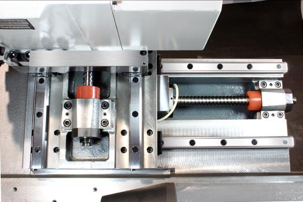 Малогабаритный токарно-фрезерный станок с ЧПУ с приводным инструментом и индексируемой осью