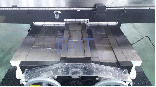 Широкоуниверсальный бесконсольный фрезерный станок X715